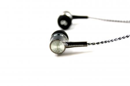 Наушники вкладыши с микрофоном  BYZ- 366  (N95)  с регулятором громкости