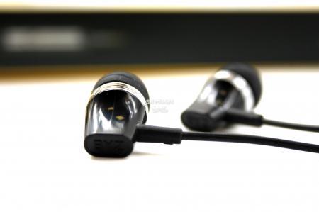 Наушники BYZ- SE560S вакуумные с микрофоном
